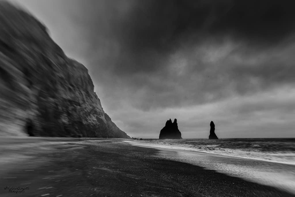 L'Islanda sud – occidentale - spiaggia nera di Reynisfjara