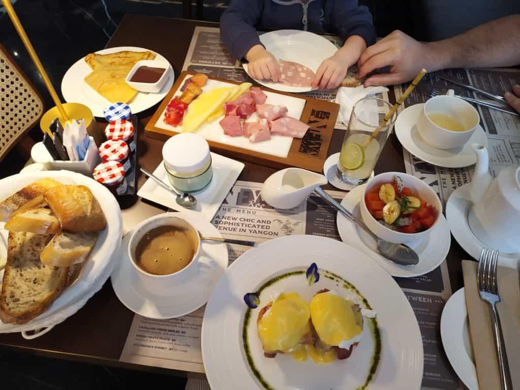 Excelsior Hotel Yangon - the full breakfast